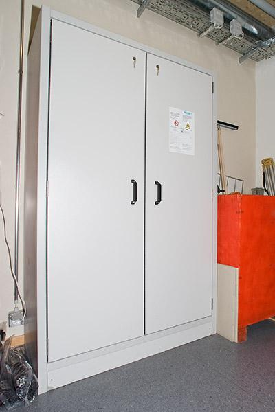 armoires de s curit pour substances dangereuses armoires. Black Bedroom Furniture Sets. Home Design Ideas